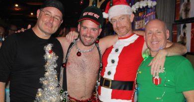 Christmas Tree Skirt Promenade Featured Image